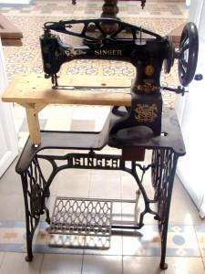 Antigua máquina de aparar donada por Julien David